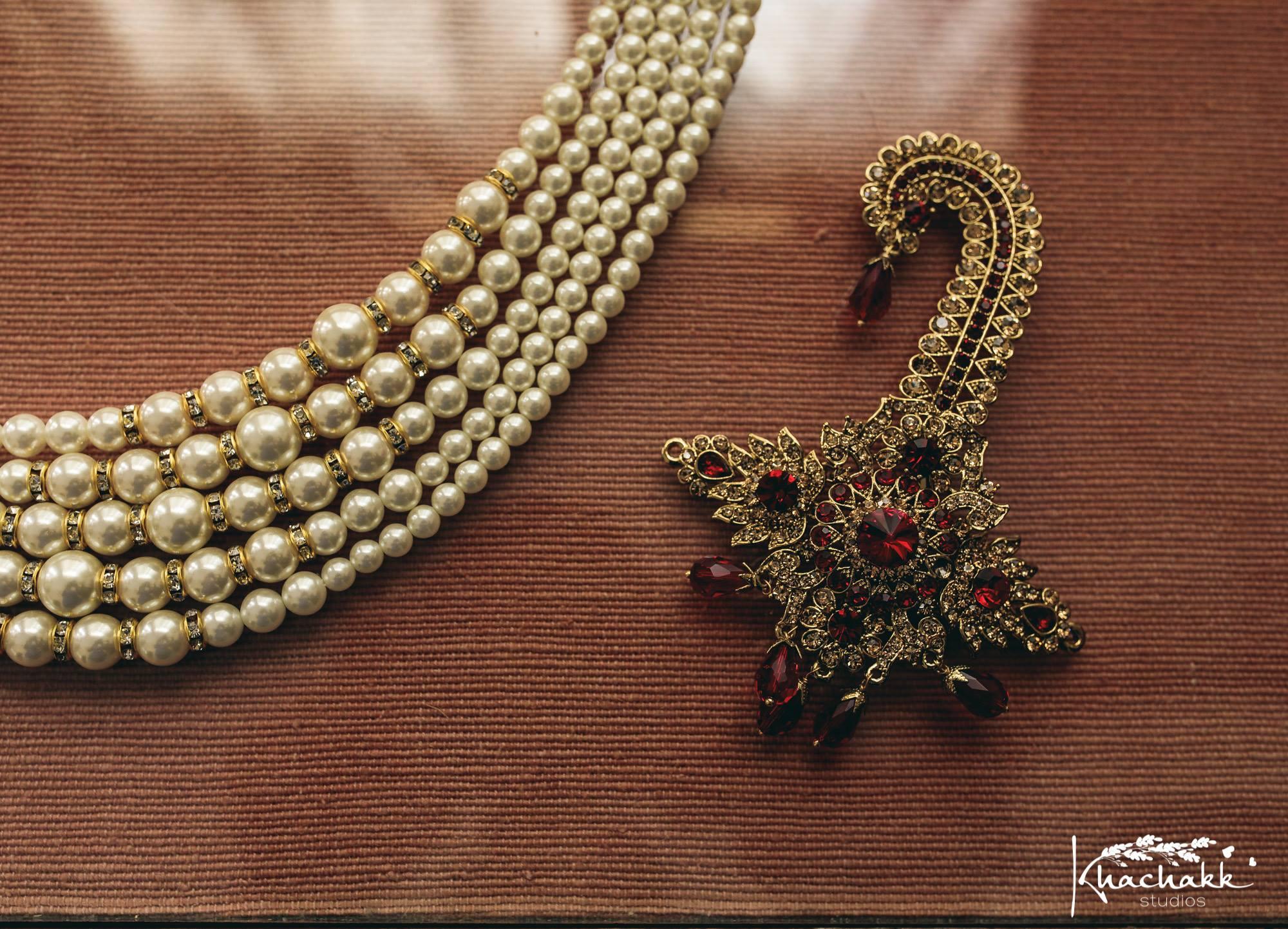 Beautiful pearl neckjewelry