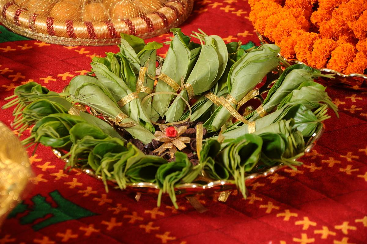 Betel leaf plate decoration