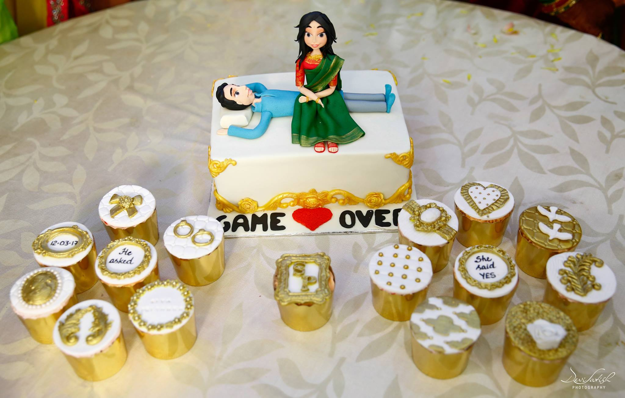 Game Over funny wedding cake