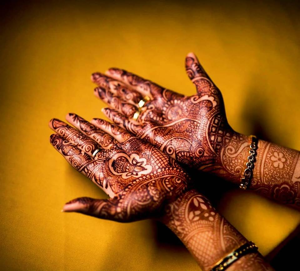 Beautiful kalasam design mehndi