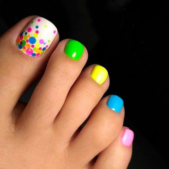 Colorful Toe Nail art
