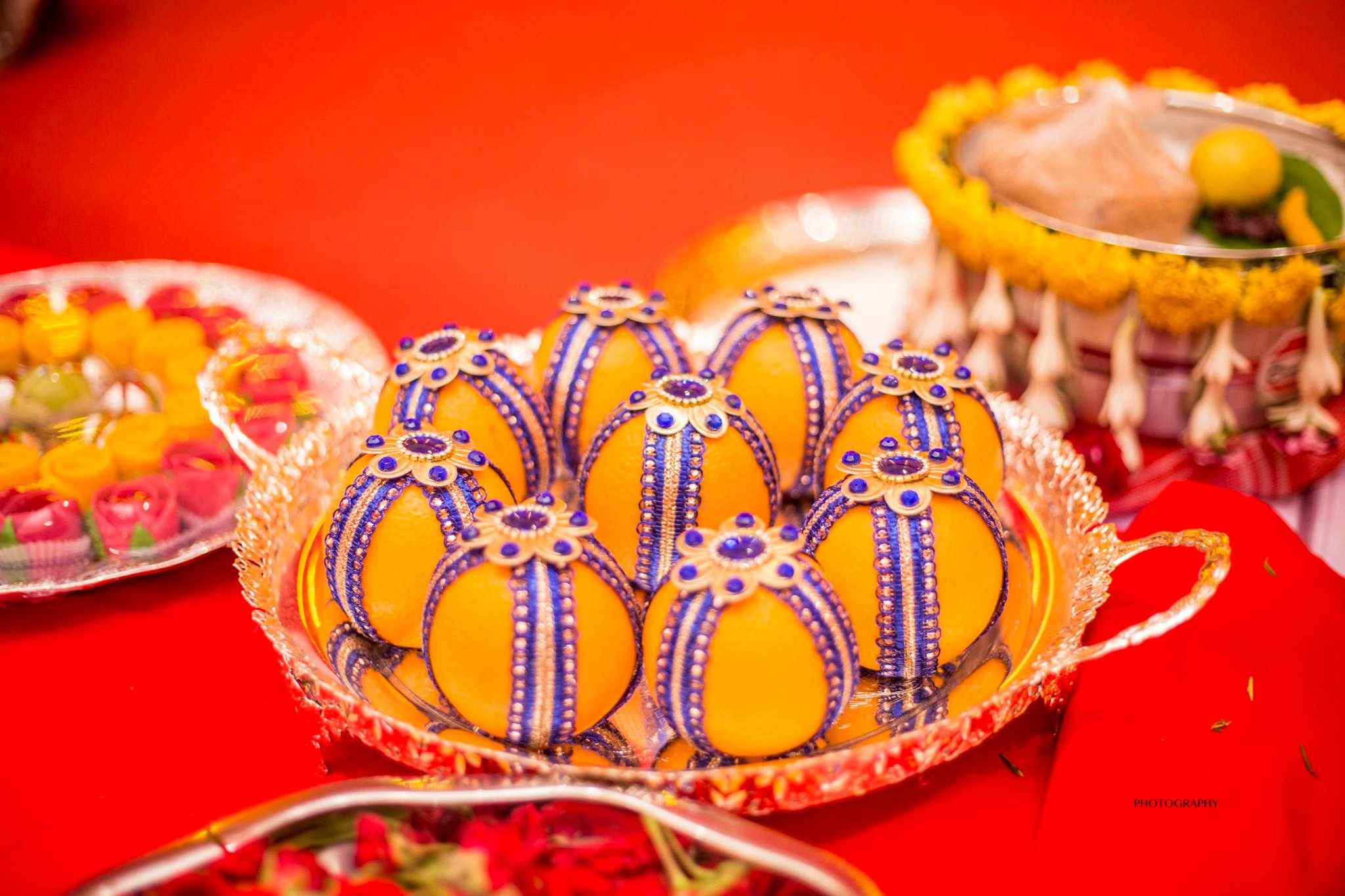 Blue Lays covered Oranges-Plate Decoration
