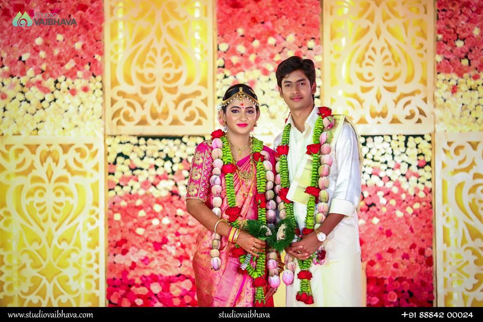 Green with red flower wedding garland