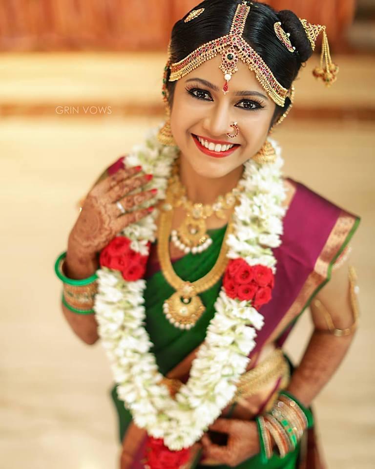 Twinkling eyes of a bride