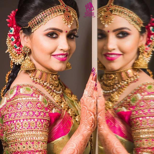 Natural looking bride