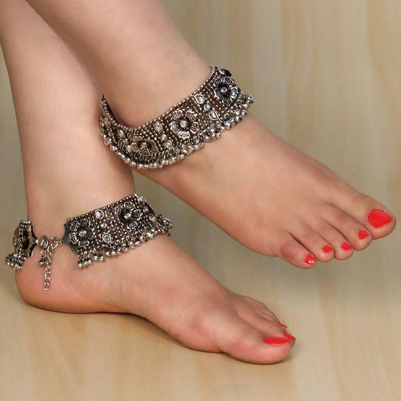 Oxidised Silver Tone Kundan Anklet