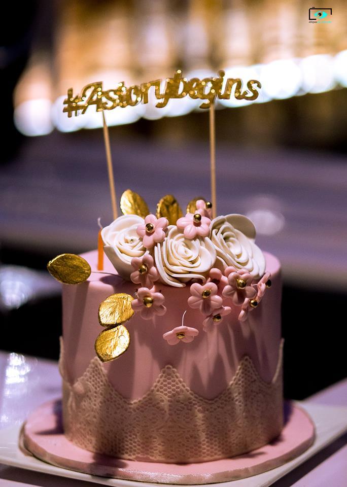 Three roses Wedding Cake