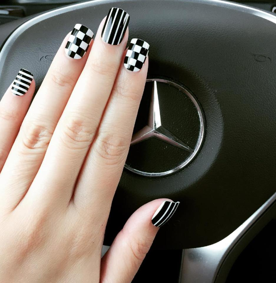 Awesome Black and White Nail Art