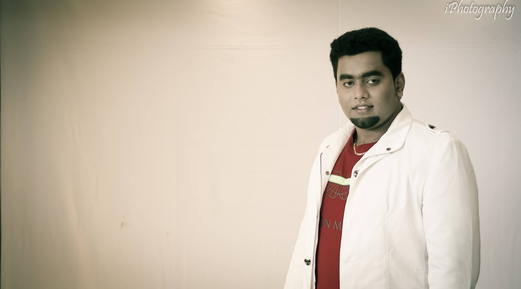 Red tshirt with white coat