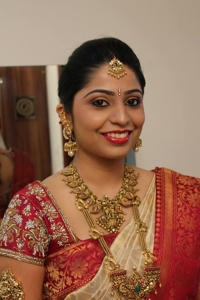 Bridal Makeup for Cute Bride