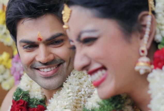 Actor Ganesh Venkatram & Nisha Krishnan